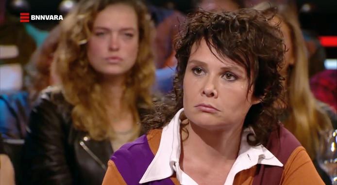 Uitzending van De Wereld Draait Door met schrijfster Griet op de Beeck waarin ze vertelt over dat ze is misbruikt in haar jeugd .