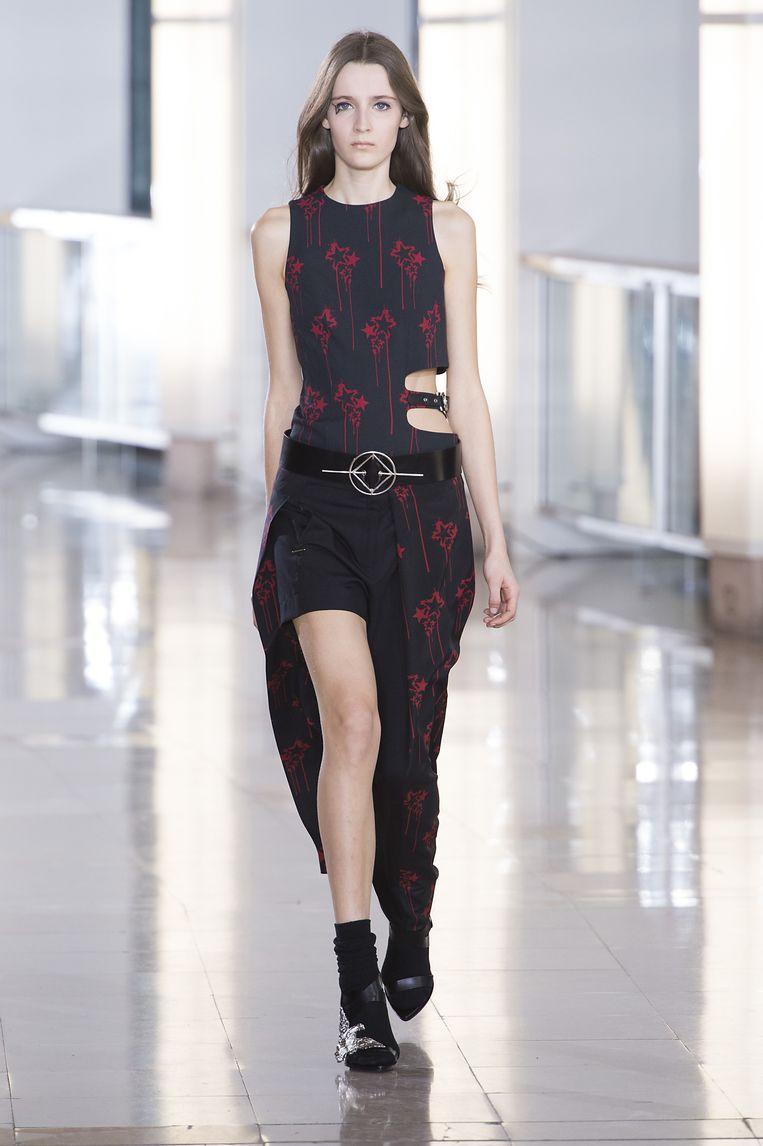 Anthony Vaccarello. Beeld null