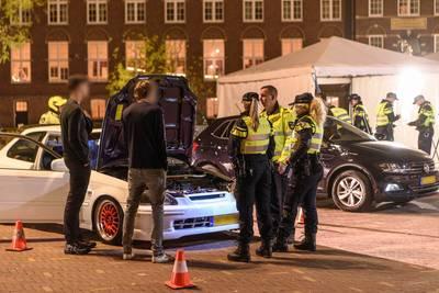 23 auto's in beslag genomen bij politiecontrole in Breda, tienduizenden euro's geïnd