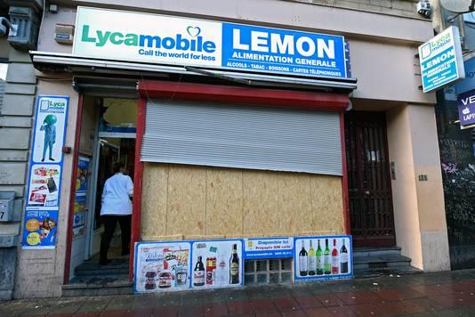 Een  van de geplunderde winkel sin het centrum van Brussel.