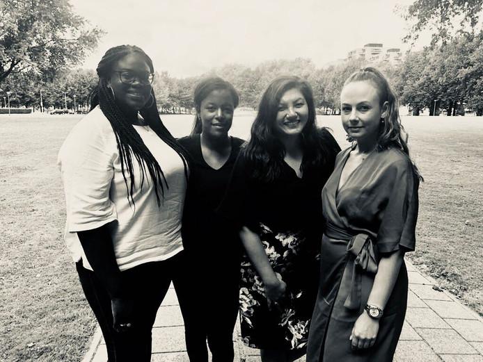 De organisatoren van de stille tocht Manisha Richardson, Melissa Tolud, Wai-Yin van Eijk en  Alysia Martins.