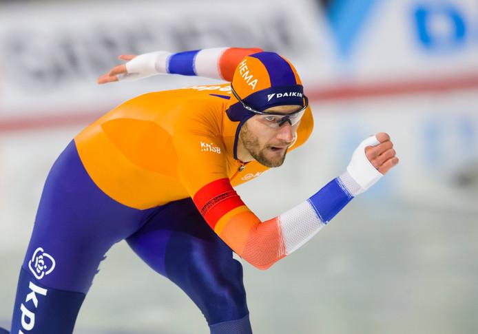 Thomas Krol in actie op de 1000 meter tijdens de wereldbeker in Calgary.