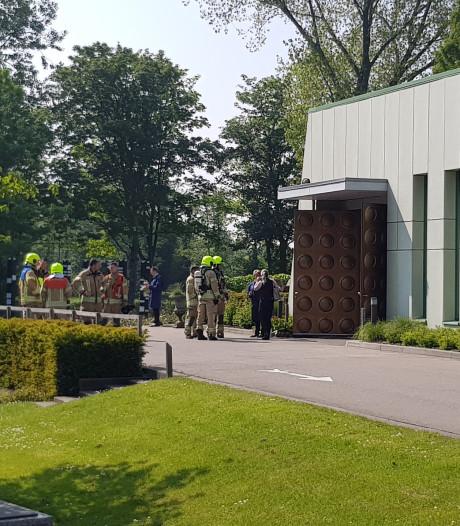 Brandweer helpt bij crematie in Schiedam: 'We hebben de kist erin geduwd'