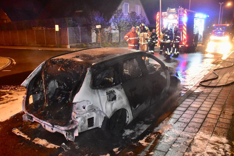 Zondagochtend brandde Gregory's bedrijfswagen volledig uit.