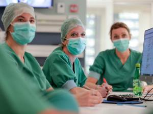 Pénurie de personnel dans les soins de santé: l'Europe rappelle la Belgique à l'ordre
