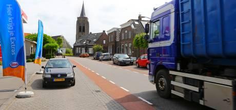 Groep inwoners Groot-Ammers wil zo min mogelijk vrachtwagens: 'Veiligheid belangrijker dan geld'