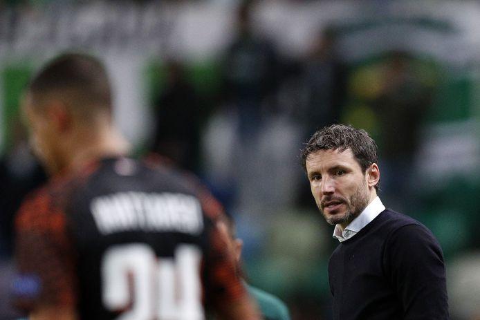 Mark van Bommel aan de lijn tijdens het duel met Sporting.