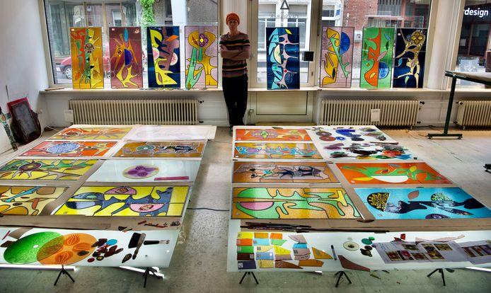 Marc Mulders, Glas in loodraam 'De Levensboom, voor Huis de Berenbijt, Den Bosch. In uitvoering bij glas atelier Den Bosch. Foto Marc Mulders