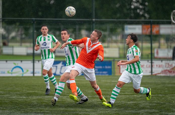 Oefenwedstrijd tussen Spero en SV Angeren.