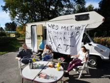 Zigeunerprotest in Enschede: 'Weg met het uitsterfbeleid'