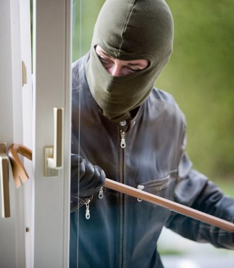 Waar slaan inbrekers 's zomers hun slag? Dit zijn de hotspots!