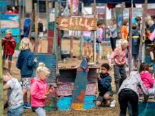 In Schuytgraaf bouwen kinderen een wijk van hout