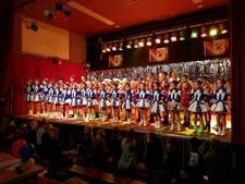 Dansmariekes stelen show in Alphen