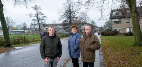 Belangengroep komt met alternatief plan voor IJsbaanterrein Hattem: 'Ouderen wonen het liefst in hofjes'