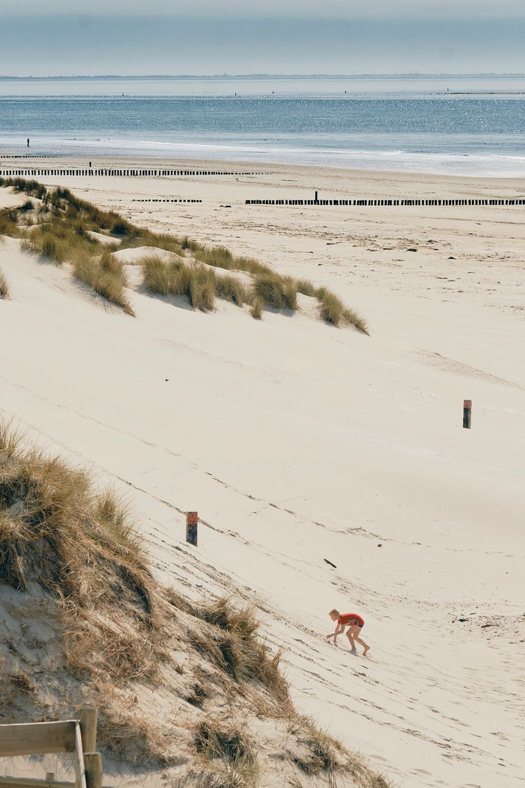Het strand bij Hollum. Beeld Sjaak Verboom