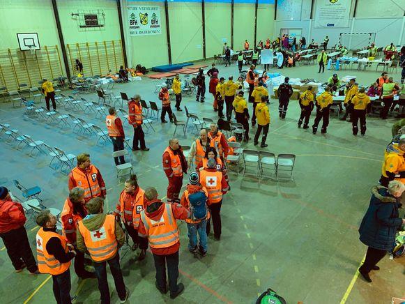 Noodcentrum om de geëvacueerde passagiers op te vangen.