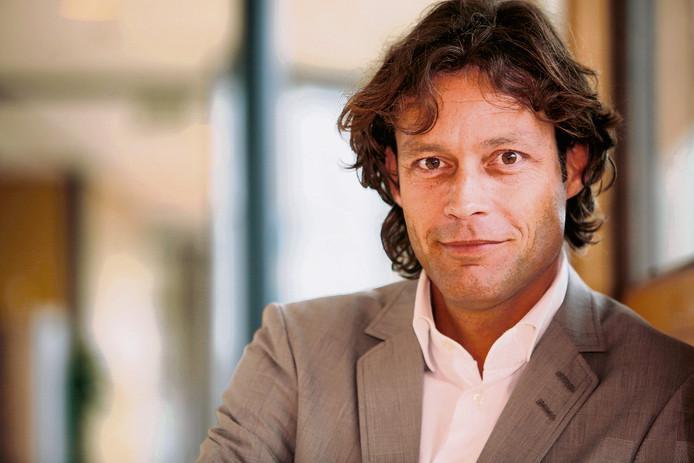 Nieuws en Co eert overleden presentator Joost Karhof ...