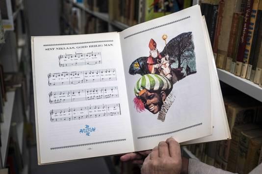Veel bibliotheken verwijderen kinderboeken met plaatjes van Zwarte Piet.