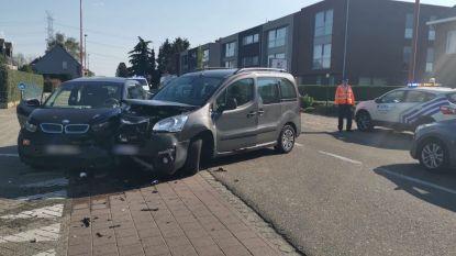 Lichtgewonde bij ongeval met twee wagens