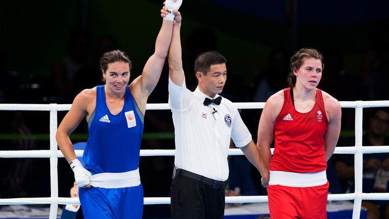 Nouchka Fontijn wint van Savannah Marshall. Beeld anp