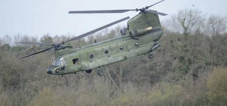 Bemanning Chinook verrast vliegtuigspotters Twente Airport
