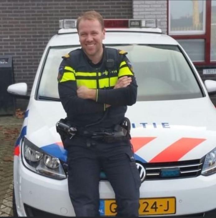 De Heinose wijkagent Frank de Jonge