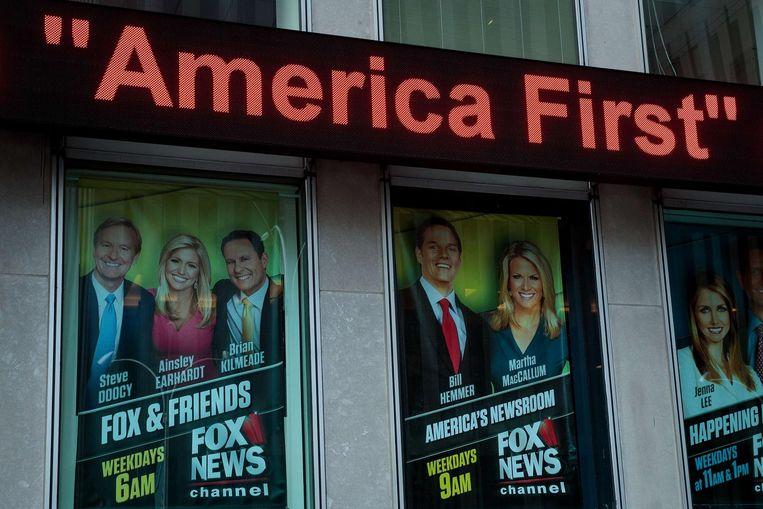 De studio van Fox News in New York waar Trumps favoriete programma Fox & Friends wordt opgenomen. De president prijst regelmatig de ochtendshow. Hij noemde het programma kort na zijn inauguratie 'great'. Beeld AFP