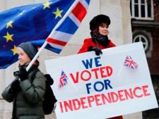 'May tegen kabinetsleden: Geen kans op no-dealbrexit'