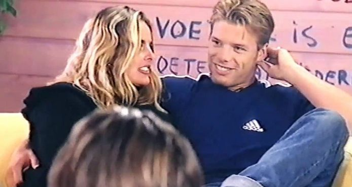 Sabine en Bart in het Big Brother Huis, in 1999.