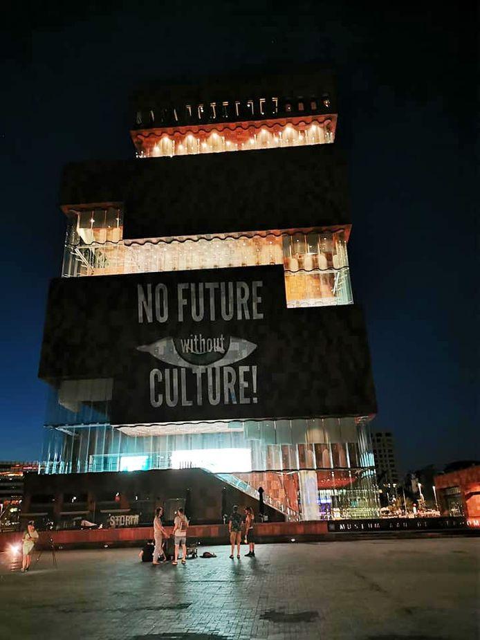 Kritiek op het falende cultuurbeleid.
