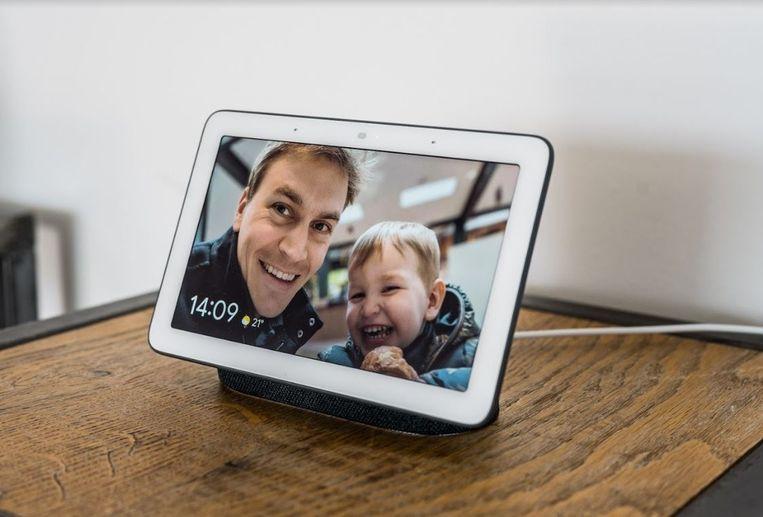 Google Nest Hub in actie als fotolijst. Beeld Google