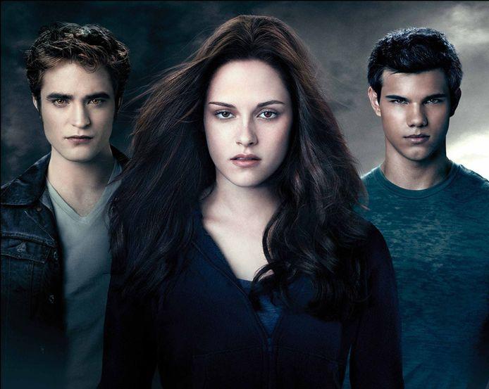 Kristen Stewart (midden) als Bella Swan in Twilight.