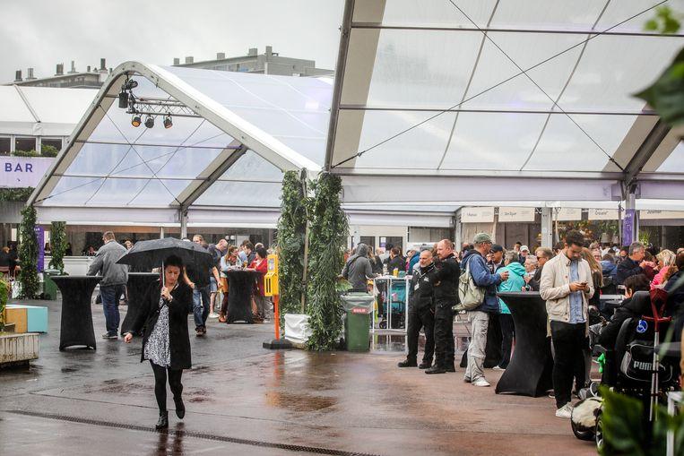 Brugge kookeet: laat u niet afschrikken door het gure regenweer, 75 procent van kookeet is overdekt