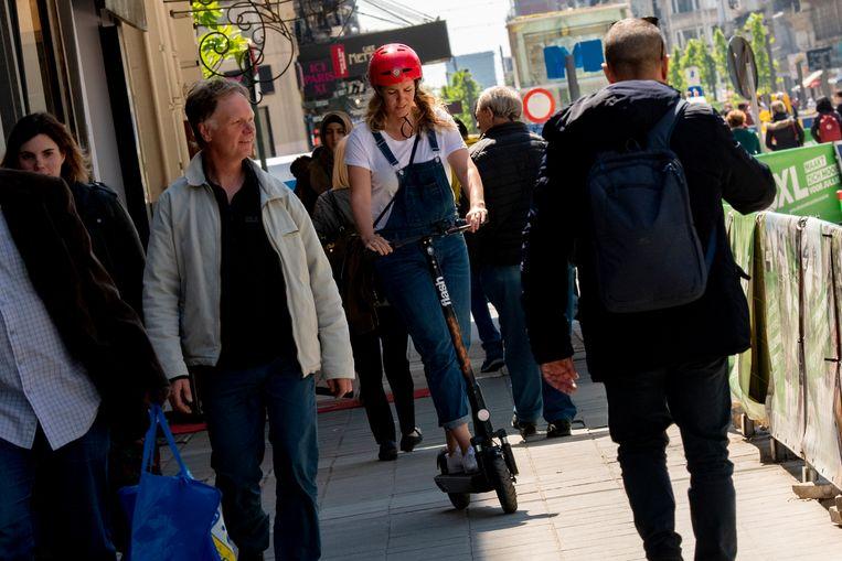 - Joernaliste Bieke Cornillie laveert tussen de toeristen.