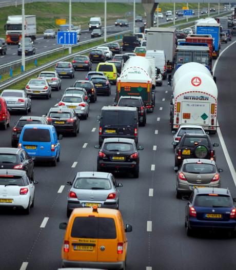 Ongelukken zorgen voor meerdere files rond Rotterdam