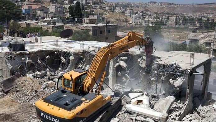 Palestijnse winkel worden gesloopt in Oost-Jeruzalem.