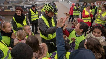 Frank Deboosere promoot fluohesjes op de fiets
