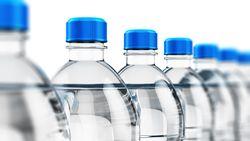 Flesje 'water' bezorgt vrouw inwendige brandwonden