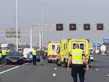 Motorrijder (51) uit Arnhem overlijdt bij botsing door tollende auto op A15