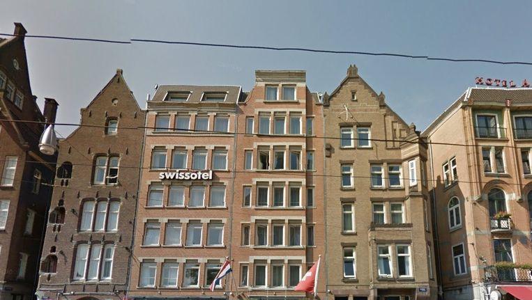 FRHI Holdings heeft onder andere het Swissotel op het Damrak in haar bezit Beeld Google streetview