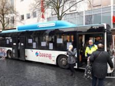 Ook komend jaar reizen ouderen met voordelig busabonnement door regio