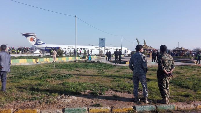 Het toestel van Caspian Airlines verloor vermoedelijk een deel van het landingsgestel.
