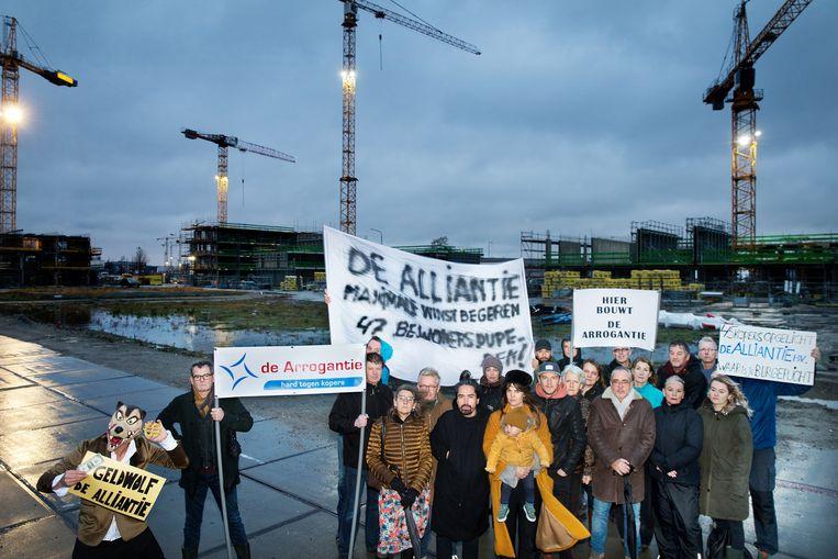 Kopers voelen zich bekocht door de Alliantie en demonstreren tegen de afgeblazen koopcontracten. Beeld Jean-Pierre Jans