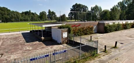Voetbalclub RKPVV uit Helmond royeert speler die scheidsrechter belaagde