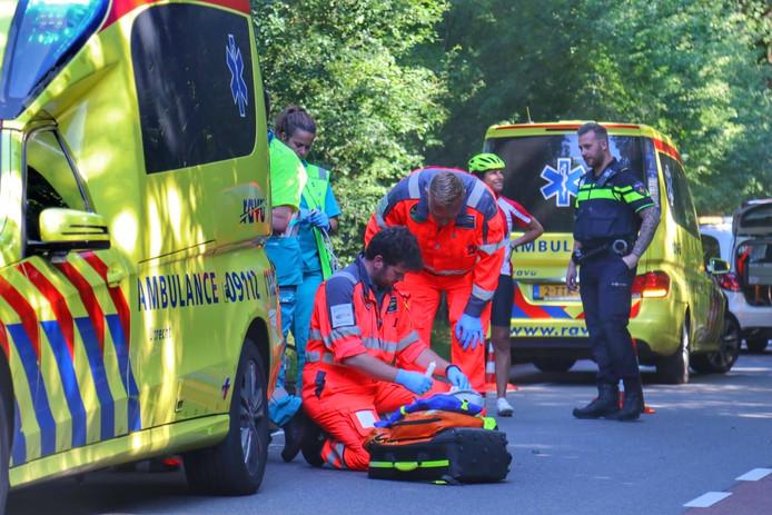 Een wielrenster is gewond geraakt op de Bergweg in Amerongen.