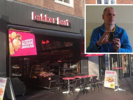 Werknemers Bakker Bart Middelburg speuren zelf naar vaste klant Hans (56) die thuis blijkt overleden