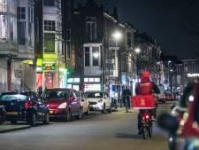 Bewoners van de Weimarstraat eisen straat terug van criminelen met koffie en taart