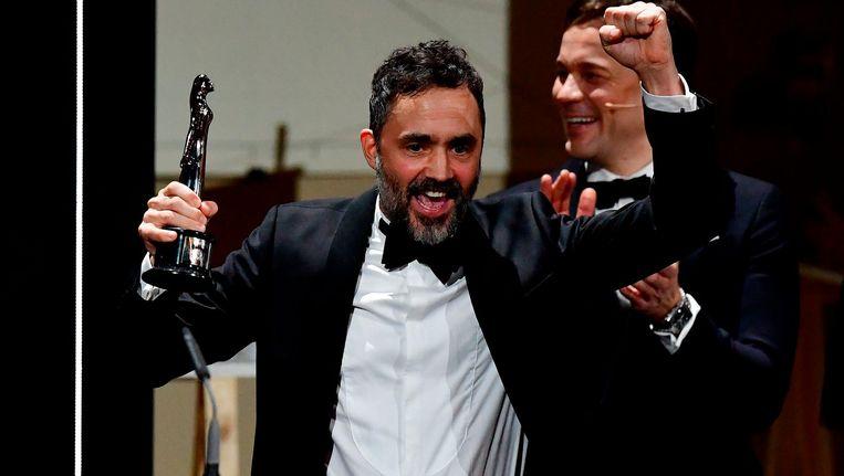 De Zweedse producer Erik Hemmendorf van de film The Square is blij met zijn prijs Beeld ANP