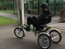 Revaliderende Van Gorkom maakt eerste meters op de fiets