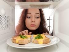 Mag je ontdooid eten nog eens invriezen? Is de magnetron schadelijk? 7 mythes over voeding